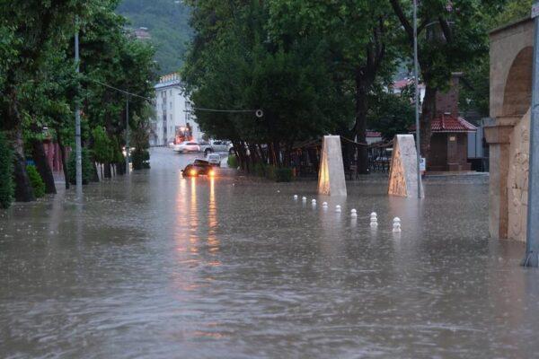 Sağanak Yağmur Bozkurt'ta Hayatı Olumsuz Etkiledi