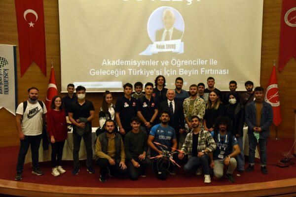 """""""Akademisyenler ve Öğrenciler ile Geleceğin Türkiye'si İçin Beyin Fırtınası"""""""